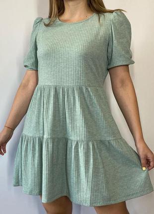 Ніжна м'ятна сукня