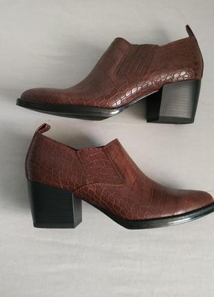 Туфли под кожу змеи