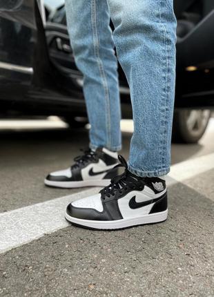 Женские стильные осенние кроссовки nike air jordan black/white