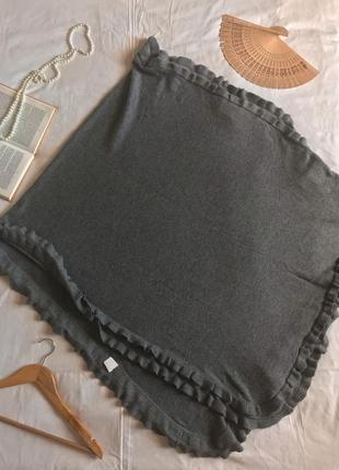Фирменная серая накидка из шерсти и  кашемира