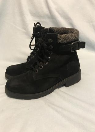 Ботинки замшевые 37 р (24 см)