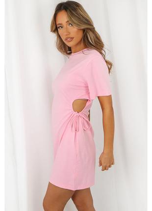 Платье с вырезом по бокам