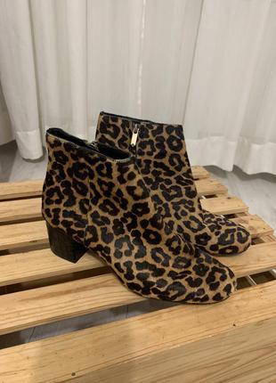 Ботинки ботильоны тигровые
