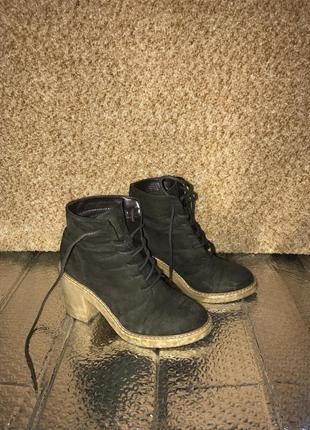 Демисезонные осенние весенние ботинки сапоги с шнуровкой