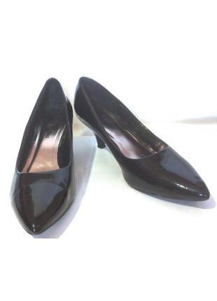 Стильные лаковые туфли лодочки от бренда viva la diva, р.41 код t4116