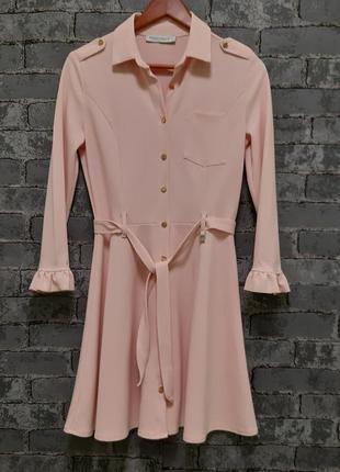 Красивое розовое платье -рубашка с поясом