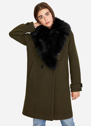 Демисезонное пальто с сьемным мехом