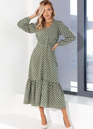 Длинное платье цвета хаки на пуговицах