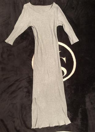 Платье серое в рубчик красивое zara