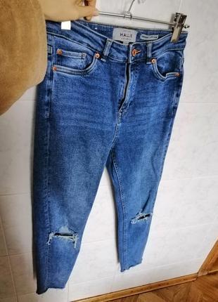Круті сині джинси з плотного котону від бренду new look