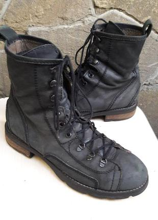 Стильные деми ботинки.