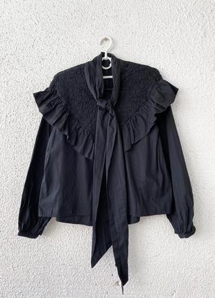 Блуза с воротников