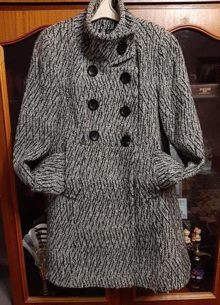 Стильное демисезонное пальто 48 размер, евро 40-42 или 12-14