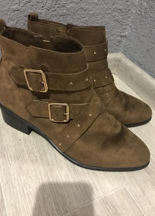 Коричневі замшеві черевички 40-41 р