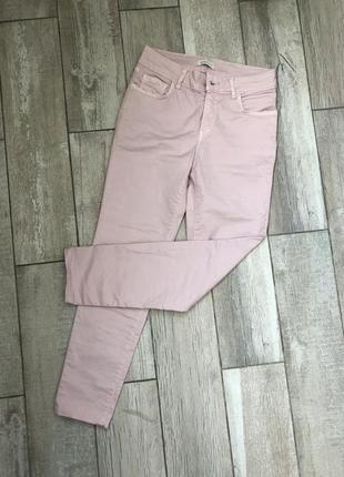 Пудровые штаны джинсы