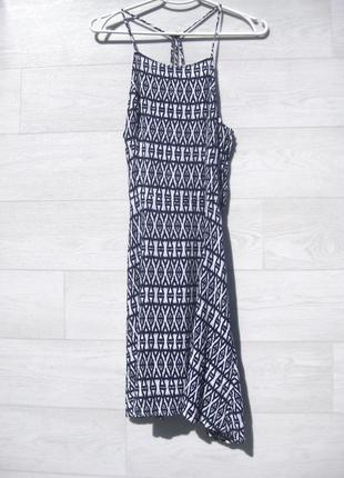 Платье h&m открытая спина принт рябое белое чёрное серое