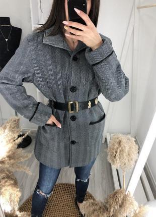 Флисовое легкая куртка пальто с кожаными вставками anne de lancay этикетка