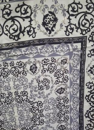 Большой брендовый шелковый платок