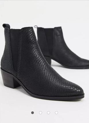 Натуральные кожаные ботинки казаки ковбойки dune