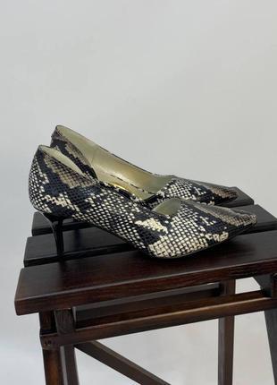 Эксклюзивные туфли лодочки итальянская кожа рептилия на шпильке