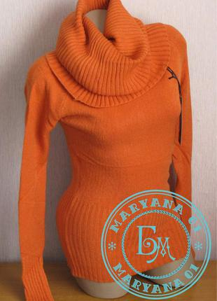 Тёплый свитер с хомутом