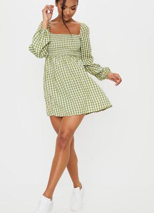 Стильное платье plt
