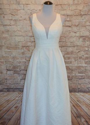 Изысканное свадебное платье сhi chi london