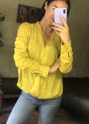 Ярко желтая блуза zara