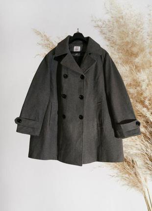 Пальто большего размера