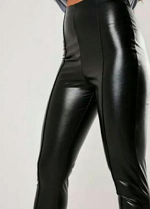 Сексуальные леггинсы со швами под кожу кож.зам брюки штаны блестящие