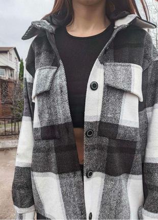 Модная теплая молодежная женская рубашка с капюшоном