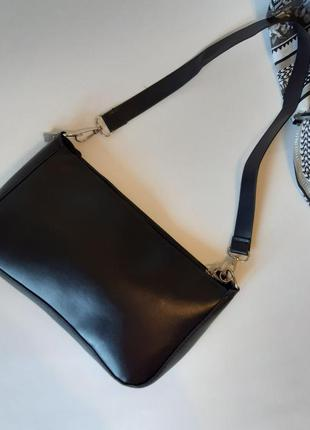 Классическая сумочка багет