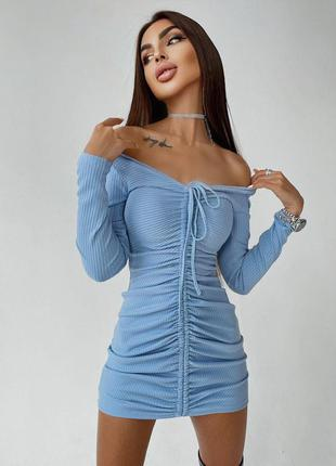 Платье голубоес затяжкой