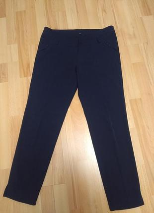 Лаконичные укороченные брюки р.48