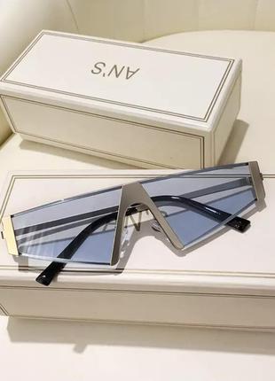 Крутые солнцезащитные очки