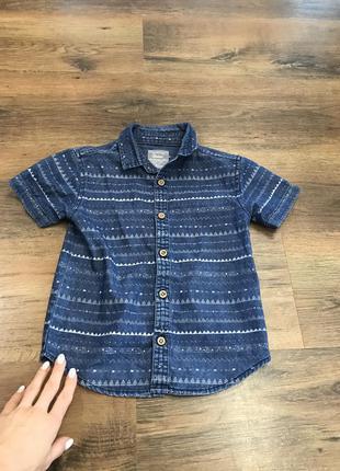 Стильная рубашка джинсовая