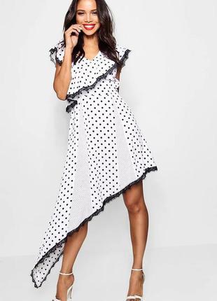 Boohoo платье белое чёрное в горох горошек ассиметрия миди оверсайз свободное
