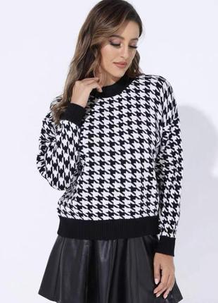Стильный трендовый свитер гусиная лапка черно-белый
