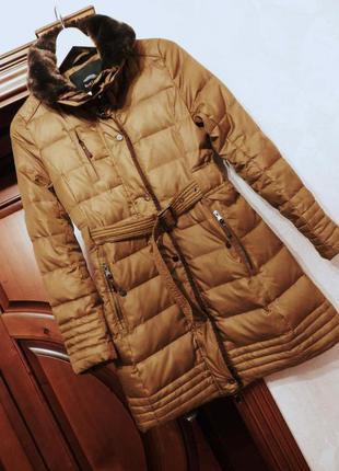 Стильна куртка пуховик stradivarius