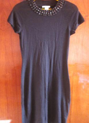 В наличии симпатичное платье h&m размер xs