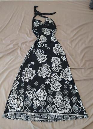 Потрясающее сксуальное платье с открытой спиной
