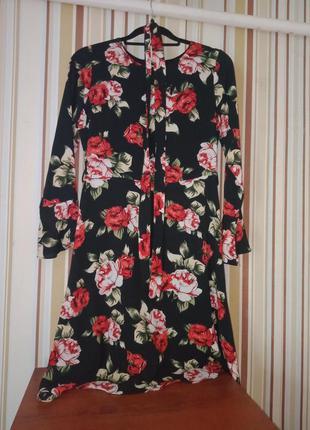 Нарядное платье с цветочным принтом