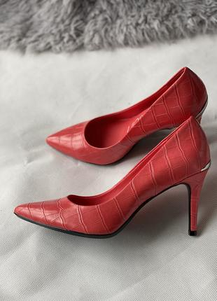 Коралловые туфли calvin klein новые