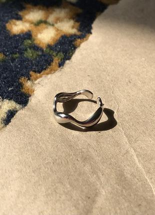 Посеребрённое кольцо волна
