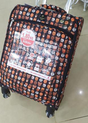 Маленький чемодан- ручная кладь,очень легкий ,airtex