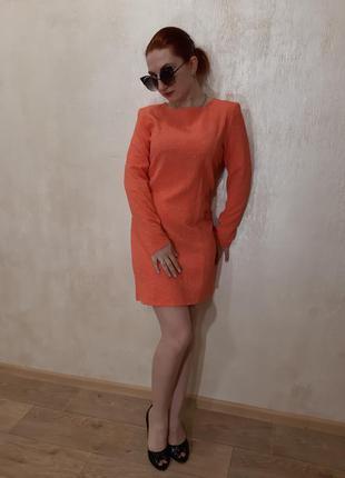 Стильное платье мини.