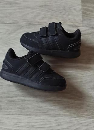 Кроссовочки adidas в отличном состоянии!
