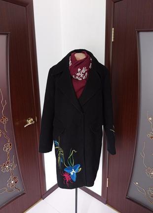 Шикарное базовое черное пальто с вышивкой большой размер 16-18рр.