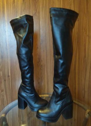 Демисезонные ботфорты-чулки на широком каблуке