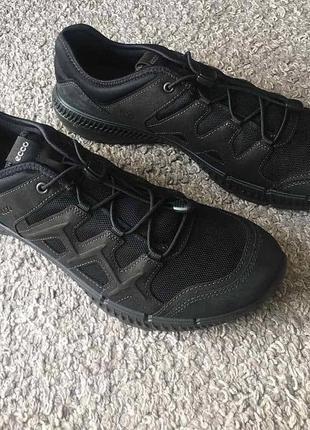 Бомбезні кросівки gore-tex